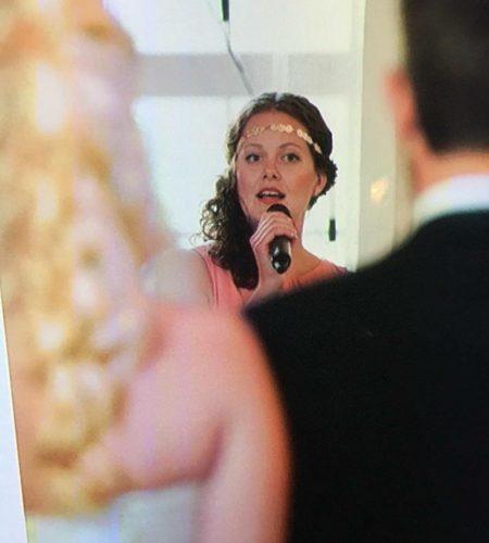 Sångerska, bröllop
