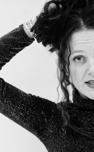 Anna-fallstrom- sångerska-bröllop-producent